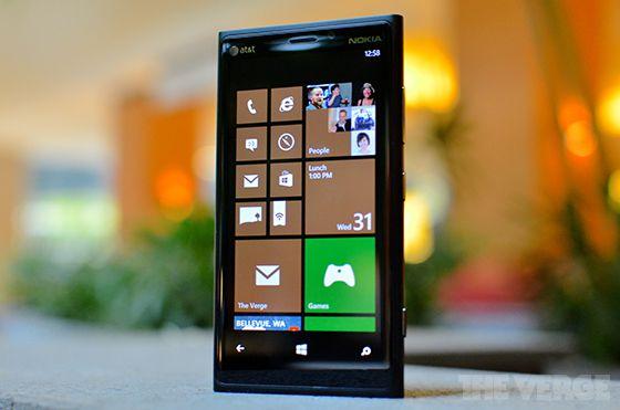 Microsoft : une nouvelle pub mettant en scène la bataille entre Apple et Samsung